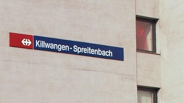 Bild in Lightbox öffnen. Bildlegende: Sind nur auf dem Schild des Bahnhofs eine Einheit: Killwangen und Spreitenbach.