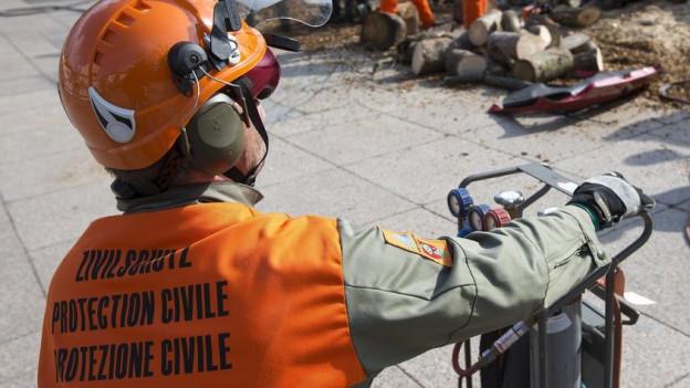 Zivilschützer in einer Übung.