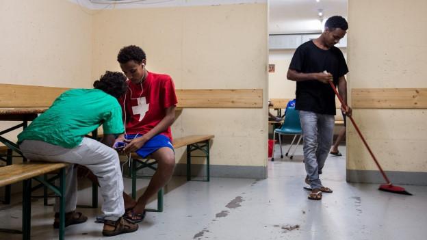 Asylbewerber in Unterkunft