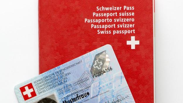 Schweizer Pass und Identitätskarte