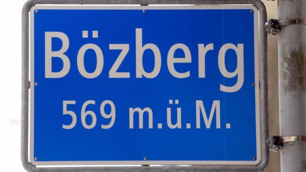 Ortstafel der Gemeinde Bözberg.