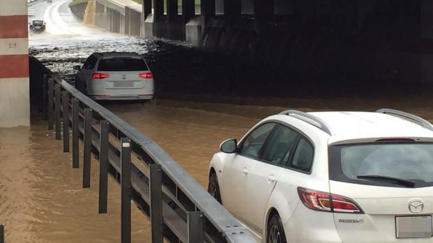 In Lupfig wurde die A3 überschwemmt