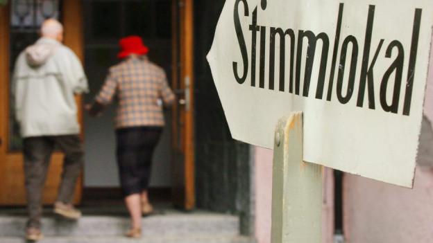 Der Gang ins Stimmlokal bleibt im Aargau weiterhin nur Schweizer Bürgern erlaubt.
