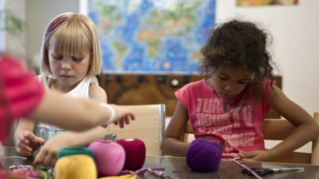 Bei einem doppelten Ja zu den Kinderbetreuungsvorlagen gewinnt die Initiative.