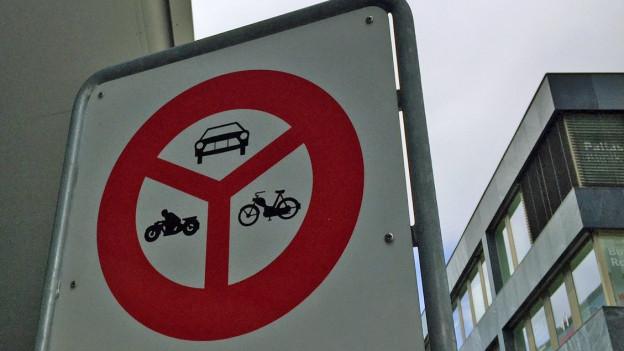 Autos sind verboten in der neuen Überbauung in Baden. Wer trotzdem ein Auto immatrikuliert, riskiert die Kündigung.