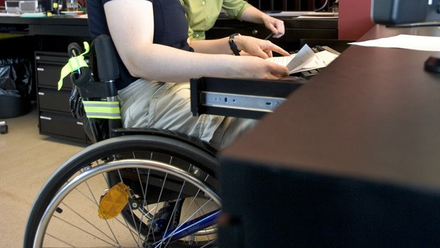 IV-Bezüger im Rollstuhl.