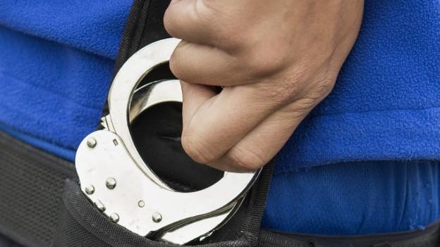 Handschellen, Polizei