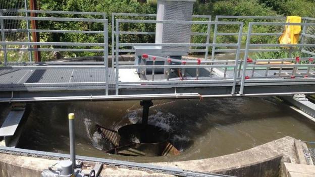 Sechs Meter Durchmesser hat das Becken, des Wasserwirbel-Kraftwerkes in Schöftland.