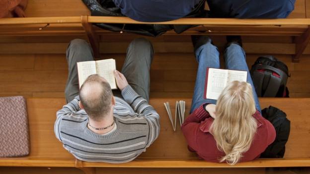 Fehlen Berufstätige am Sonntag in der Kirche weil ihnen der Zeitpunkt nicht passt?