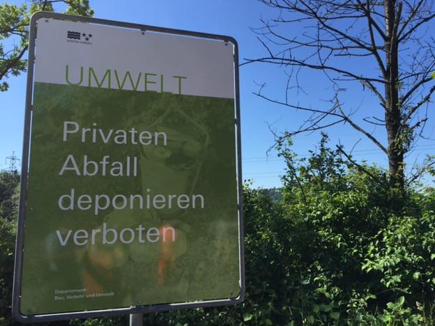 An 39 Standorten hat der Kanton Aargau am Donnerstag Plakate aufgestellt, die die Bevölkerung sensibilisieren sollen.