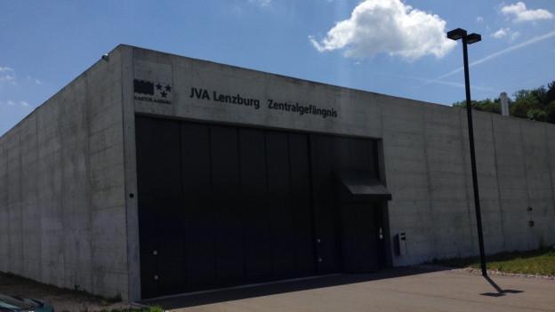 Der 22-jähriger Mörder des Mädchen Boi soll in der Justizvollzugsanstalt Lenzburg untergebracht werden.
