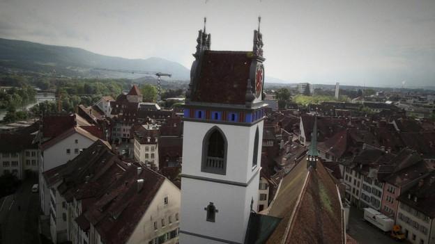 Trübe Aussichten am Himmel über Aarau: Die Finanzen bleiben trotz Sparmassnahmen aus dem Lot.