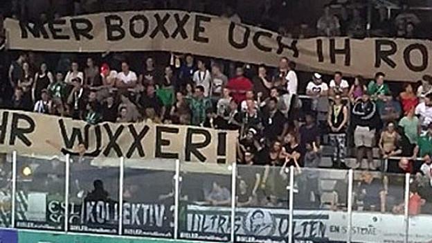 Das Plakat gibt weiterhin zu reden. Nun beschäftigt die Aktion auch den Schweizer Eishockeyverband.