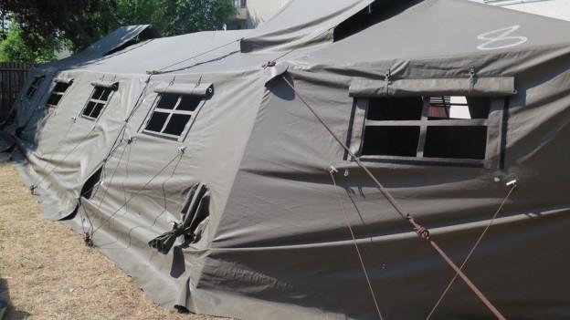 Die Armeezelte für Asylbewerber waren auch dieses Jahr nötig, wenn auch nicht ganz so voll wie 2015.