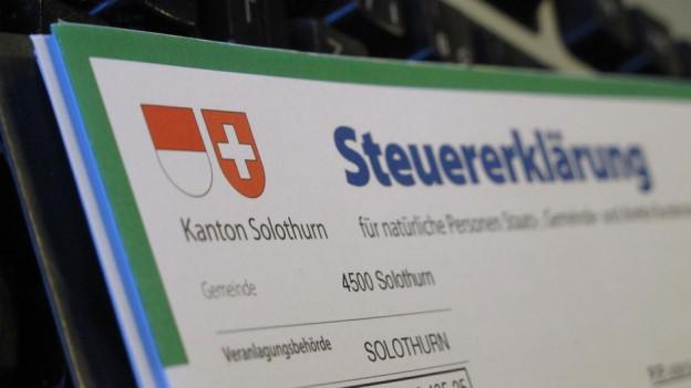 Solothurner Steuererklärung auf Papier.