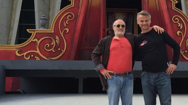 Für «Rigoletto» im August 2016 in Windisch engagierte Peter Bernhard (r.), den Star-Regisseur Giancarlo del Monaco.
