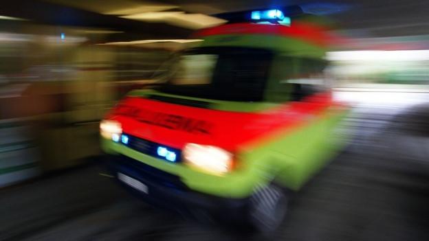 Gelber Krankenwagen