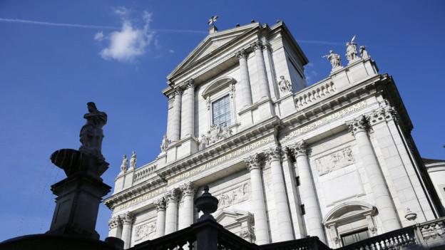 Der Brandstifter hat in der St. Ursen-Kathedrale einen Schaden von 3,5 Millionen Franken angerichtet.