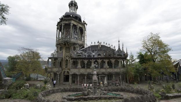 Blick in den Skulpturenpark von Bruno Weber