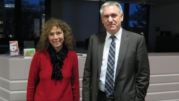 Elfy Roca und Alex Hürzeler debattieren im intensiven Streitgespräch über den Lehrplan 21 im Aargau.