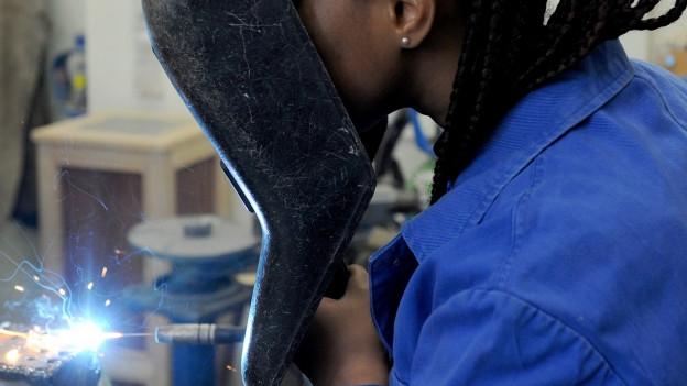 Ausländerinnen und Ausländer sollen im Aargau den Weg in den Arbeitsmarkt finden.