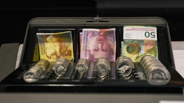 Die Sparvorschläge der Aargauer Regierung fallen bei den Parteien durch