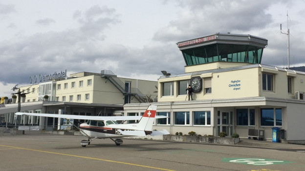 Der Flughafen Grenchen eignet sich besonders für den Versuch, weil bereits Instrumentenanflug-Routen existieren.