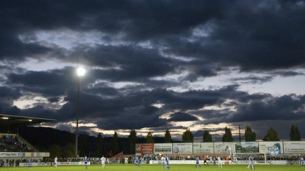 Es gibt keinen Kunstrasen auf dem Hauptfeld des Wohler Fussballstadions.