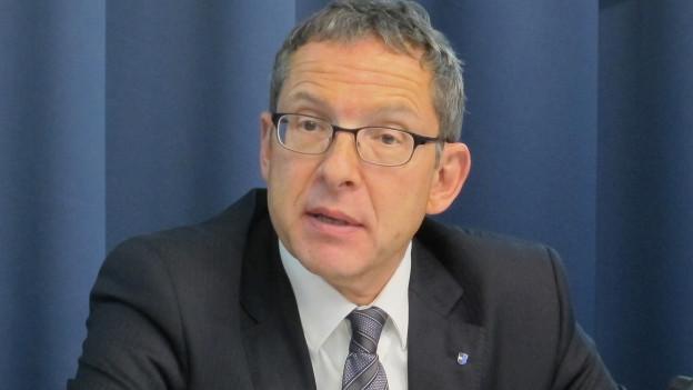 Hofmann an einer Medienkonferenz