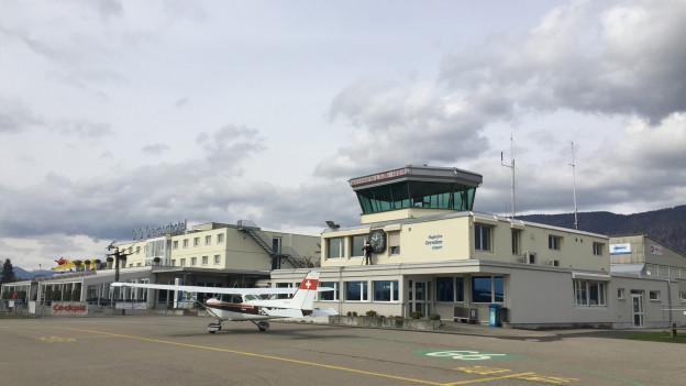 Es geht auch ohne Tower, jedenfalls zu den Randzeiten, heisst es beim Flughafen Grenchen.