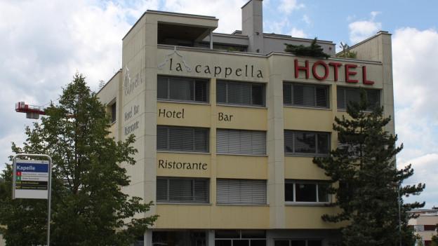Hotel von aussen.