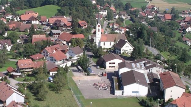 In Reitnau ist die Fusion mit Attelwil kaum umstritten, in Attelwil hingegen sind die Bürger kritischer.