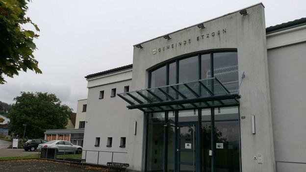 Früher war hier die Gemeindeverwaltung von Etzgen, heute wird das Gebäude anders genutzt.
