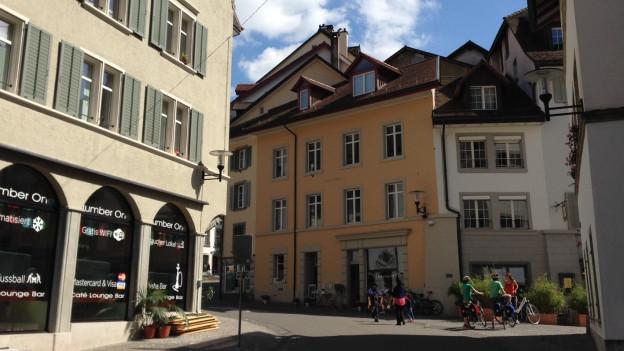 Macht der Brugger Stadtrat genug für die Altstadt? Eine Gruppe aus Anwohnern, Gewerbe und Interessierten übt Kritik.