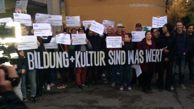 Demonstration gegen die Sparpläne des Stadtrats.