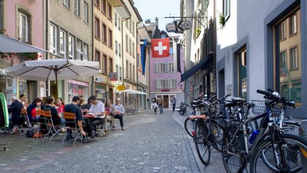 Die Beizer in der Stadt Aarau müssen künftig tiefer in die Tasche greifen.