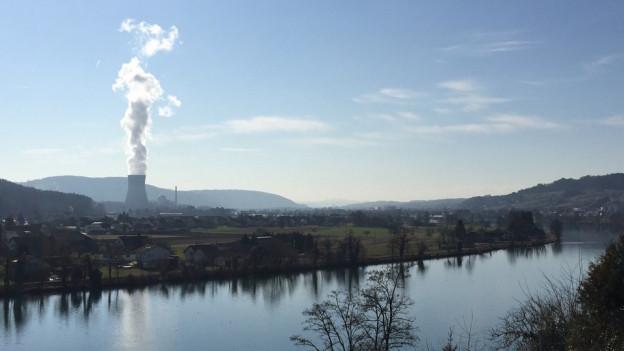 Blick von Waldshut auf das KK Leibstadt.