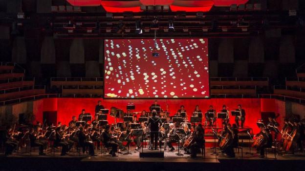 Eigentlich wollte das Sinfonie Orchester Biel Solothurn in China Konzerte spielen, nun werden CDs produziert.