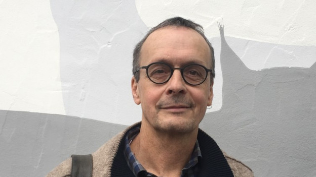 Bildlegende: Wildtier-Biologe Darius Weber (60) aus Rodersdorf SO gehört zu den Gründungs-Mitgliedern des Vereins «Wisent Thal».