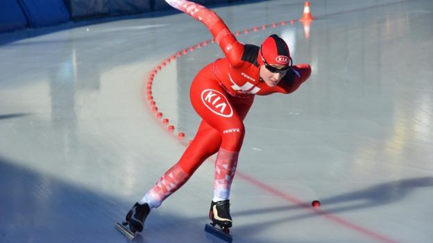 Turbulente Woche für junge Eisschnellläuferin