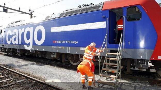 SBB Cargo kämpft weiterhin mit den Finanzen und muss Stellen abbauen.