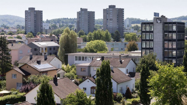 Stadt Brugg mit Hochhäusern.