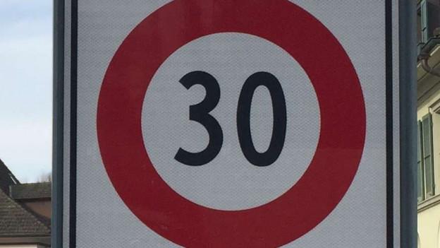 Tempo-30-Tafel.
