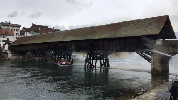 Nach dem Brand braucht es eine Notbrücke.
