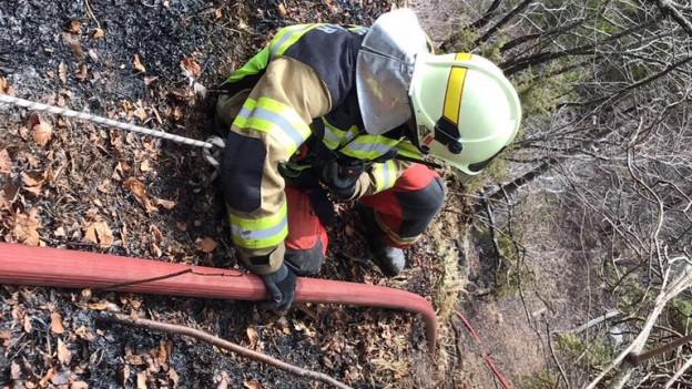 Die Einsätze im steilen Gelände waren nicht einfach, sagt die Feuerwehr.