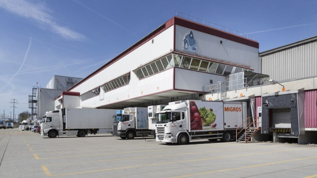 Die Migros setzt auf den individuellen Online-Handel. Gegen das Projekt in Neuendorf gingen keine Einsprachen ein. Die Migros setzt auf den individuellen Online-Handel. Gegen das Projekt in Neuendorf gingen keine Einsprachen ein.
