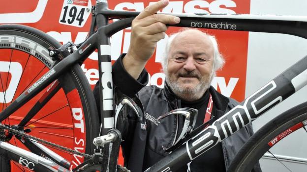 Der Zürcher Unternehmer und Sportmäzen Andy Rihs ist mit 75 Jahren verstorben.
