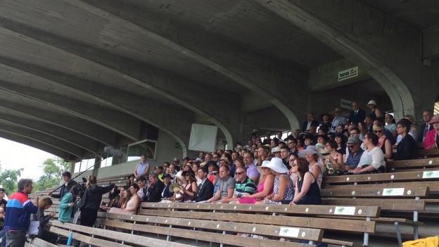 120 Statisten waren am Donnerstag in Aarau bei den Dreharbeiten zum Bestatter dabei.