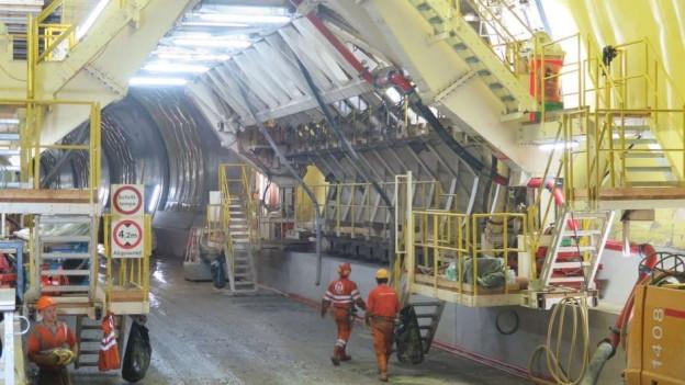 Tunnelbaumaschine.