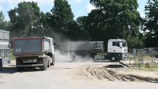 Rund 19'000 Lastwagenfahrten wird es innerhalb eines Jahres rund ums KSB geben, nur um das ganze Aushubmaterial wegzuführen.
